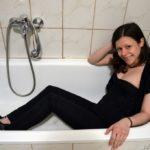 GWC03 Nina's foamy shower