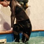 W175 Cheerleader Jolynda in the pool